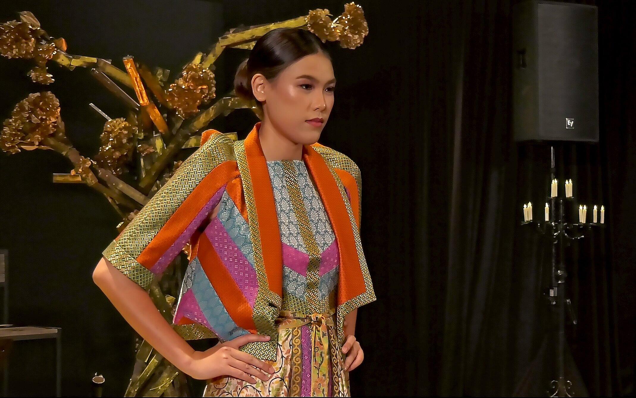 Arab Street URA Raffles Recreating the Textile Culture Collaboration from One Kampung Glam Cahaya Ramadan Live Stream Fashion Show 9