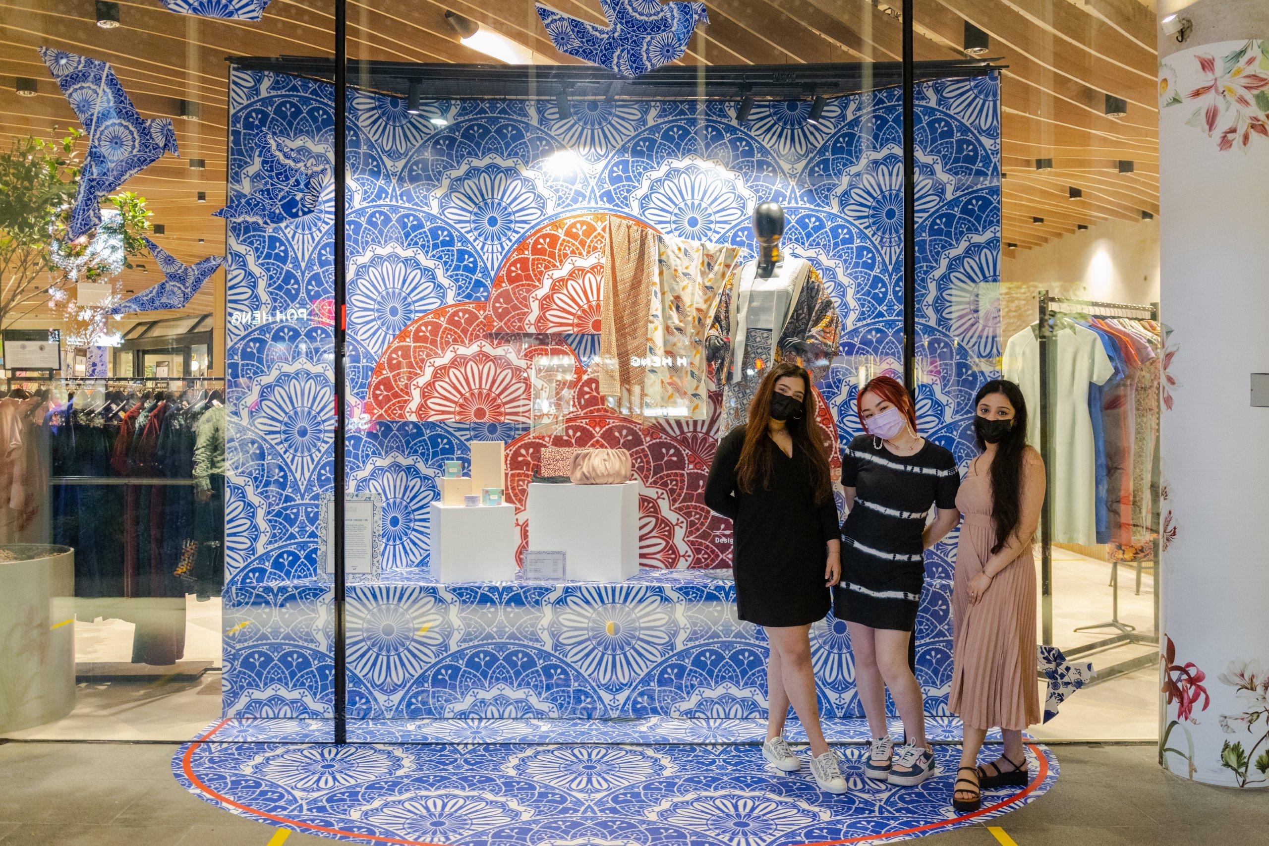 Design Orchard Raffles Heritage Festival 2021 Visual Window Display Raffles Designers Group Shot 3