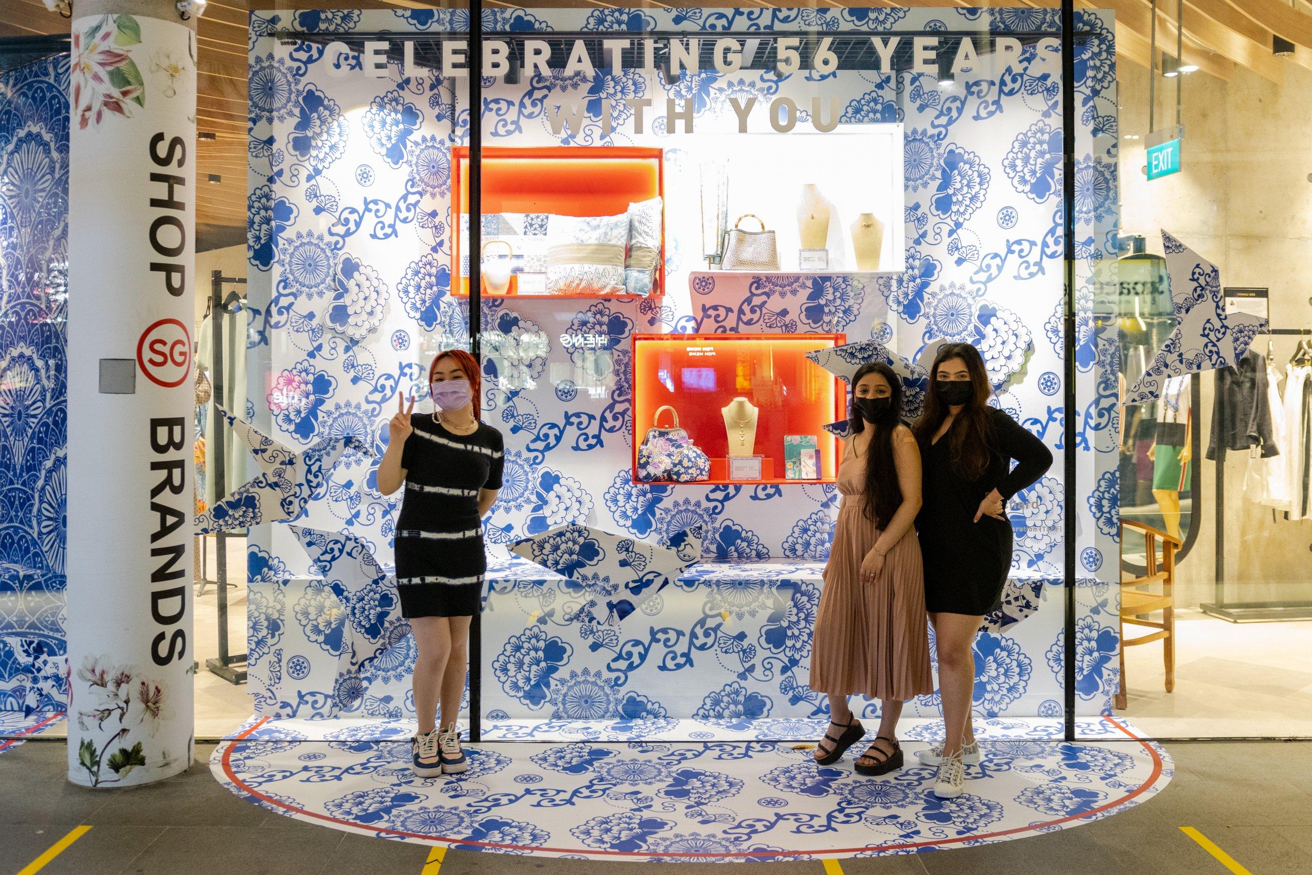 Design Orchard Raffles Heritage Festival 2021 Visual Window Display Raffles Designers Group Shot 4